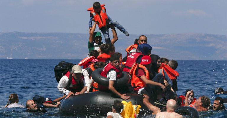 Sulla questione dei migranti l'indignazione spinga a trovare soluzioni, non solo emozioni momentanee