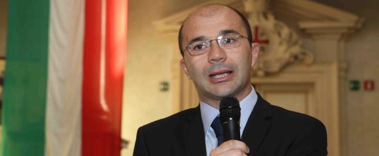 Piena solidarietà al sindaco di Reggio Luca Vecchi per gli attacchi ingiustificati e pretestuosi