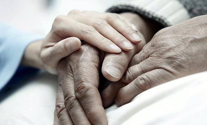 Bambini, disabili, anziani: dov'è finito il prendersi cura?
