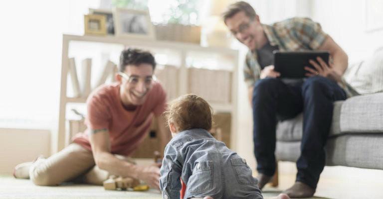 Le famiglie sono tante, la priorità una: saper essere genitori
