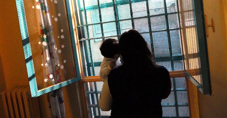 Carceri, le sbarre non siano un ostacolo tra genitori e figli