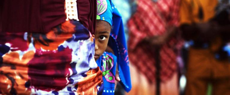 Mutilazioni genitali femminili: in Italia 7.700 giovani a rischio, rafforzare il contrasto a questa pratica barbara
