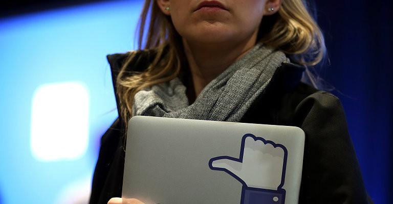 Le mamme interrompano la catena che invita a pubblicare le foto dei figli su Facebook