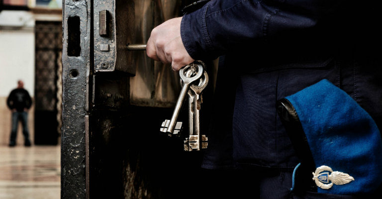 Carceri, per abbassare il tasso di recidiva (oggi in Italia al 56%) servono rieducazione e reinserimento