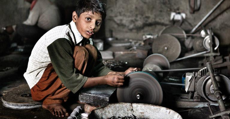 Urgente un piano nazionale contro il lavoro minorile di bambini e adolescenti