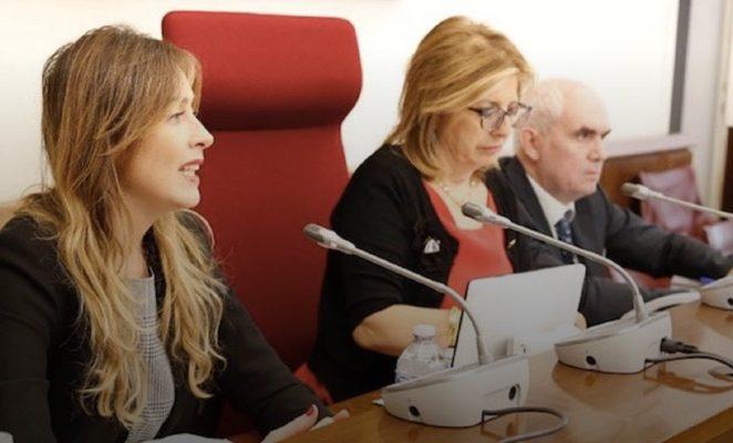 Adozioni, bene l'audizione del ministro Boschi: ora ridare fiducia alle famiglie