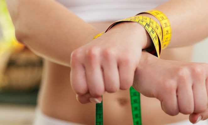Dipendenze e disturbi alimentari, è ora di fermare il trend autodistruttivo degli adolescenti