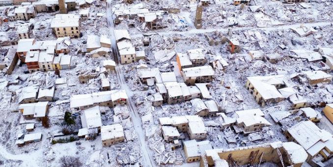 Terremoto, Salvini specula sulla sofferenza. Dallo Stato massimo impegno