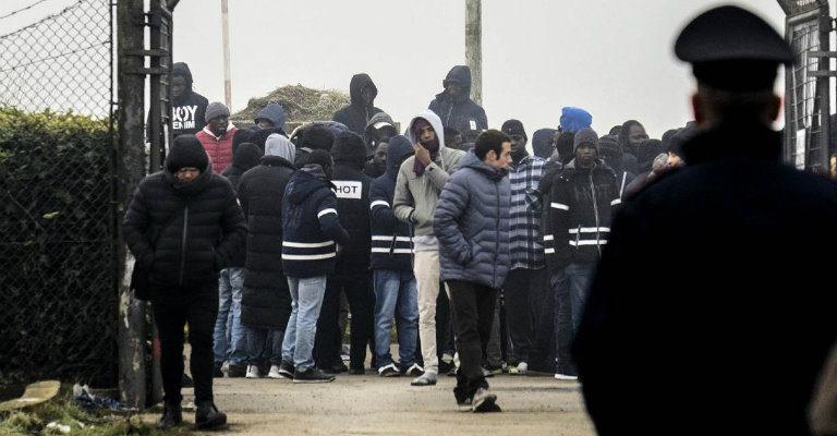 No alle strumentalizzazioni sulla rivolta nel centro di prima accoglienza di Cona