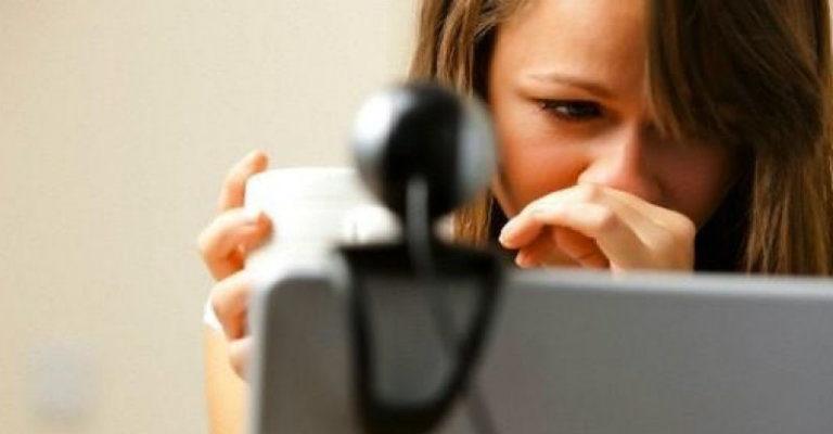 Il ddl di contrasto al cyberbullismo punta sulla prevenzione a scuola e sull'oscuramento dei siti