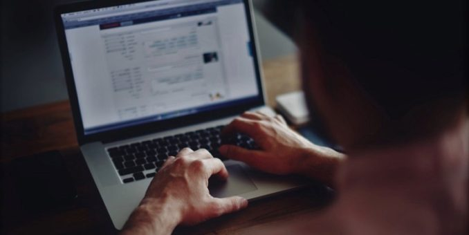 Pericoli online, una collaborazione tra Polizia postale e famiglie contro la pedofilia