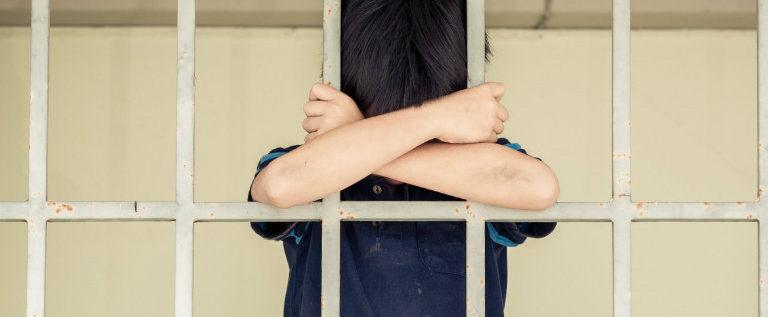 """Su Huffington Post: """"Cosa ci fa un bambino in carcere?"""""""