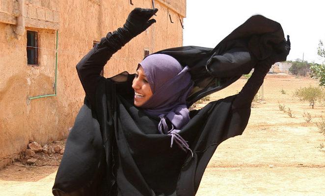 Isis, la festa delle donne a Raqqa è il simbolo della liberazione della città