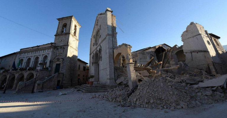 """Mercoledì 25 ottobre a Roma alla cena di beneficenza """"A tavola per ricostruire"""""""