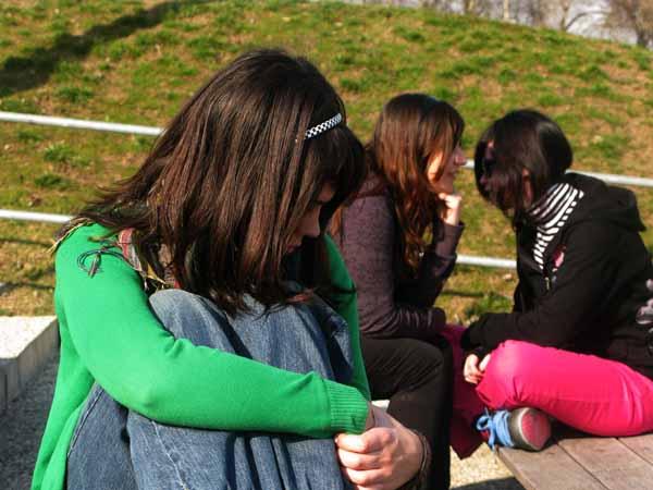 Bullismo al femminile, ragazze contro ragazze
