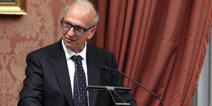Sorprendenti giravolte del ministro Bussetti su vaccini, alternanza e Invalsi