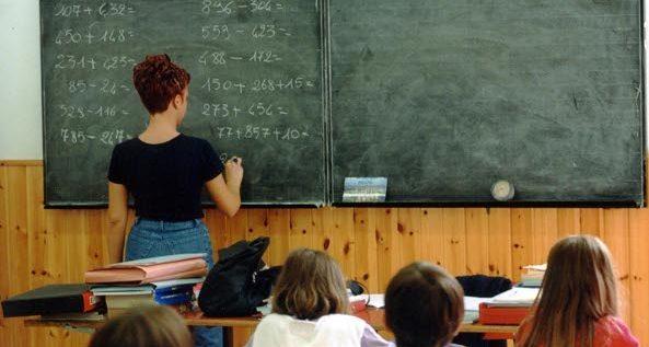 Governo taglia oltre un miliardo al sostegno scolastico