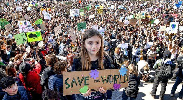 Da giovani esempio di partecipazione che inchioda politica a responsabilità